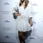 alessandra-ambrosio-opening-of-victorias-secret-nyc-store-02